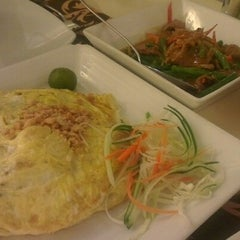 Photo taken at Siam Thai Cuisine by ch4dwick on 8/21/2012