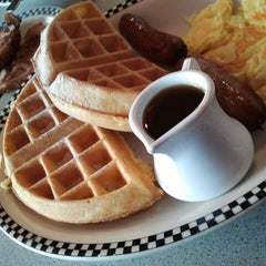 Photo taken at Silver Diner by husky on 1/21/2012