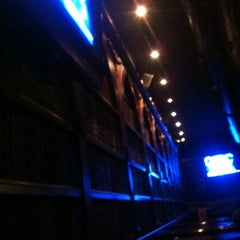 Photo taken at Pub Autobús by Kmilo V. on 3/9/2012