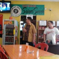 Photo taken at RAJA PUJASERA by Cikal Pedro D. on 4/25/2012