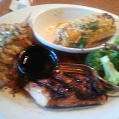 Photo taken at TGI Fridays by Caleb S. on 8/15/2012