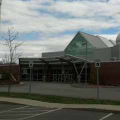 Photo taken at McAuliffe-Shepard Discovery Center by Tom M. on 4/27/2012