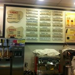 Photo taken at Joe's Ice Cream by Eric B. on 11/6/2011