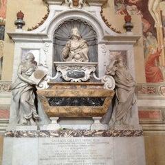 Photo taken at Basilica di Santa Croce by Preecha P. on 4/11/2012