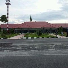Photo taken at Bandara H. A. S. Hanandjoeddin (TJQ) by Ajus A. on 3/22/2012