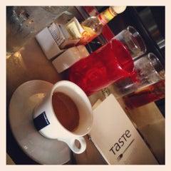 Photo taken at Taste on Melrose by Matthew S. on 9/3/2012