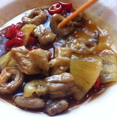 Photo taken at Bamboo Restaurant 竹林風味小食 by Landon Y. on 5/5/2012