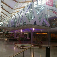 Photo taken at Alexandrium Woonmall by Adelle N. on 8/21/2012