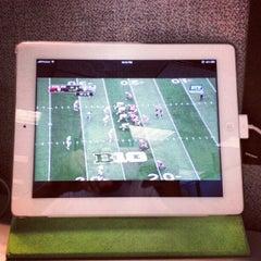 Photo taken at Verizon Wireless by Mitch D. on 9/1/2012