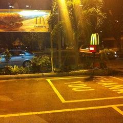 Photo taken at McDonald's by Yus غ. on 9/1/2011