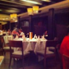 Photo taken at Ye Shanghai 夜上海 by Takeshi N. on 6/14/2012