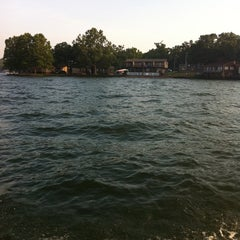 Photo taken at Lakeview Resort - Lake of the Ozarks by Marie T. on 7/17/2011