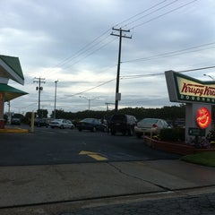Photo taken at Krispy Kreme Doughnuts by Jenny R. on 9/24/2011