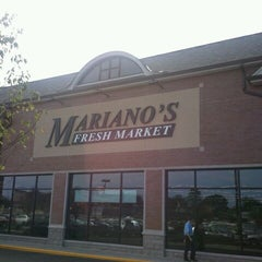 Photo taken at Mariano's Fresh Market by Michael B. on 9/10/2011