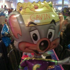 Photo taken at Chuck E. Cheese's by Jennifer L. on 1/22/2012