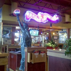Photo taken at Red Robin Gourmet Burgers by Erika N. on 7/29/2012