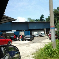 Photo taken at Pemborong & Peruncit PNY Raya Sdn. Bhd. by Cik A. on 9/9/2012