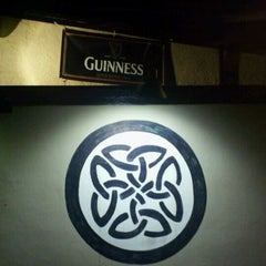 Photo taken at The Blarney Stone by Lc on 8/17/2011