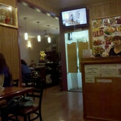 Photo taken at Thai Boom - Thai Food Delivery by Talking Monkey on 10/15/2011