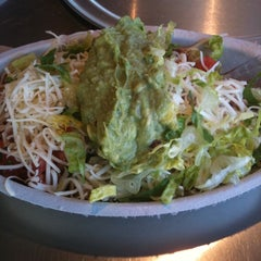 Photo taken at Chipotle Mexican Grill by Analise B. on 3/28/2011
