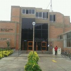 Photo taken at Biblioteca Central - PUCP by Javier B. on 8/20/2011