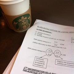 Photo taken at Starbucks by Jérôme S. on 3/10/2012