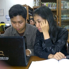 Photo taken at Perpustakaan FISIP UPN Veteran Yogyakarta by Unita D. on 4/9/2012