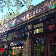 Photo taken at Vine Street Pub & Brewery by Kathy Jai on 7/19/2012