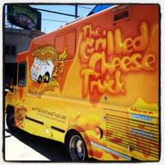 Photo taken at The Grilled Cheese Truck by Elise A. on 7/26/2012