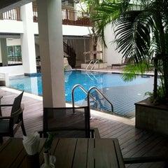 Photo taken at Sunshine Hotel & Residences by Thana Boy S. on 5/5/2012