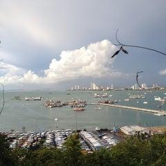 Photo taken at Bali Hai Pier by เสือเอก ย. on 5/5/2012