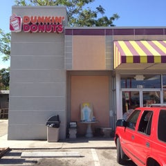 Photo taken at Dunkin Donuts by Steve T. on 7/13/2012