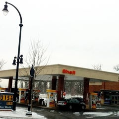 Photo taken at Shell by Ying U. on 1/8/2011