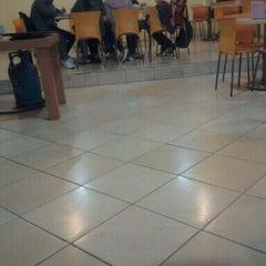 Photo taken at Mie Ayam Sumbrah by Hins Z. on 10/14/2011