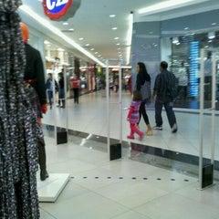 Photo taken at Bauru Shopping by Fernando D. on 4/13/2011