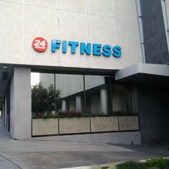 Photo taken at 24 Hour Fitness by ClarkKent S. on 1/21/2012