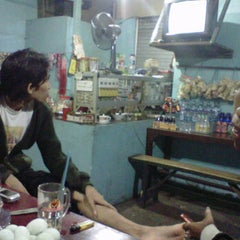 Photo taken at Warung GIRAS Bumimoro by Cepe Itoe Oedie on 11/17/2011