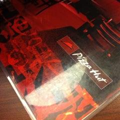 Photo taken at Pizza Hut by José C. on 2/10/2012