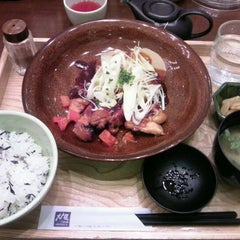 Photo taken at 大戸屋 はません店 by masamic on 12/10/2011