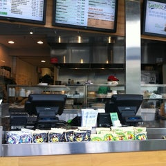 Photo taken at Energy Kitchen by hoai vi p. on 7/21/2012