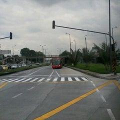 Photo taken at TransMilenio: Héroes by Cid C. on 11/11/2011