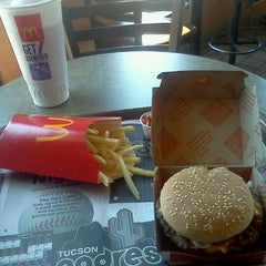 Photo taken at McDonalds by Acee W. on 8/26/2011