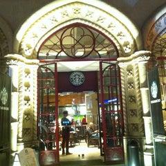 Photo taken at Starbucks by Sara A. on 8/16/2012