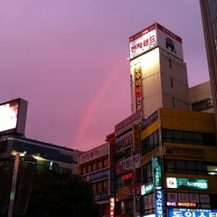 Photo taken at 서면역 (Seomyeon Stn.) by Hyungkyu P. on 10/22/2011