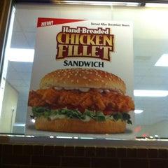 Photo taken at Carl's Jr. by Toan L. on 1/3/2012