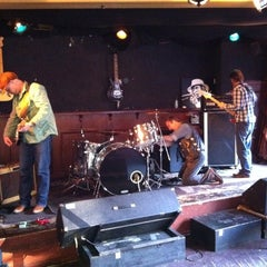Photo taken at Blues Café by Leon T. on 10/23/2011