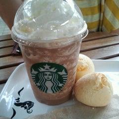 Photo taken at Starbucks by Rodrigo A. on 9/9/2012