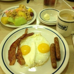 Photo taken at IHOP by Arni T. on 6/17/2012