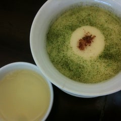 Photo taken at Purple Cane Tea House by Shiroi Y. on 5/20/2012