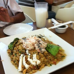 Photo taken at Super Salads by Marina on 9/1/2012